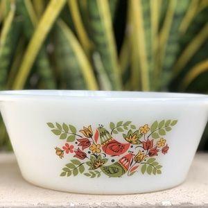 Vtg Arcopal Milk Glass French Hen Casserole Dish